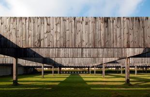 A arquitetura brasileira marca presença em exposição no museu de Frankfurt. Trabalhos de jovens profissionais brasileiros podem ser vistos na cidade alemã até 2014. Na foto, Centro Nacional de Tiro Esportivo - PAN 2007 -, do escritório mineiro BCMF Arquitetos