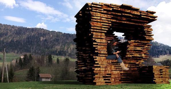 Arquitetos consagrados em todo mundo criaram pontos de ônibus diferentes na Áustria. O projeto em uma pequena vila austríaca mostra como esses abrigos também podem ser uma forma de expressão. Na foto, proposta do Ensamble Studio