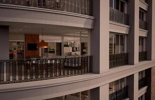 Edifício terá elevador para estacionamento de carro dentro do apartamento. Em Goiânia, o empreendimento se inspirou nos prédios de Miami, nos EUA, para aplicar a tecnologia do sky-drive. Foto mostra perspectiva da edificação