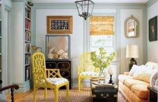 Baús se destacam para compor e dar charme extra na decoração da casa. Muito usados em séculos passados, eles são úteis para guardar vários objetos, como fotos, revistas, roupa de cama, entre outros