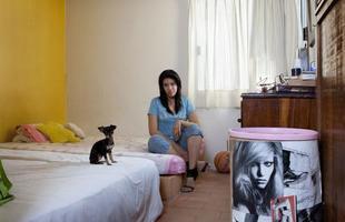 A série de retratos dos fotógrafos italianos Gabriele Galimberti e Edoardo Dilelle reflete sobre a vida de mulheres em várias partes do mundo com base em seu espaço mais íntimo, o quarto. Na foto, Nadia, 25 anos, México