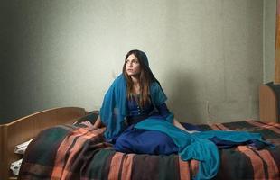 A série de retratos dos fotógrafos italianos Gabriele Galimberti e Edoardo Dilelle reflete sobre a vida de mulheres em várias partes do mundo com base em seu espaço mais íntimo, o quarto. Na foto, Gamze, 23 anos, Turquia