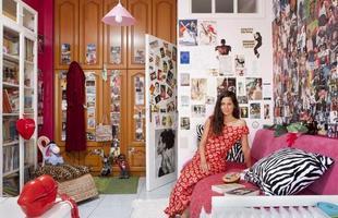 A série de retratos dos fotógrafos italianos Gabriele Galimberti e Edoardo Dilelle reflete sobre a vida de mulheres em várias partes do mundo com base em seu espaço mais íntimo, o quarto. Na foto, Eugenie, 25 anos, Grécia