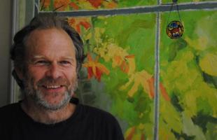 O agricultor inglês Michael Buck, de 59 anos, construiu uma casa ao custo de apenas R$ 600. A habitação em Oxfordshire foi erguida com terra, areia, argila, palha e água, a partir de técnicas que ele aprendeu em um livro