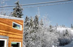 Canadense cria minicasa portátil e sustentável que reflete nova tendência mundial. Residência itinerante pode ser levada para qualquer lugar, com conforto para abrigar mais de uma pessoa