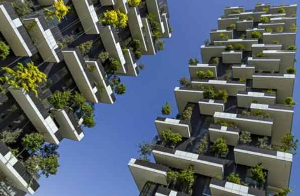 Edifícios cobertos por jardim vertical serão concluídos este ano em Milão. Torres residenciais com telhado e fachada verdes pretendem combinar o desenvolvimento urbano com a conservação do meio ambiente