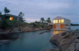 Arquitetos projetam casa que flutua em períodos de cheia do rio
