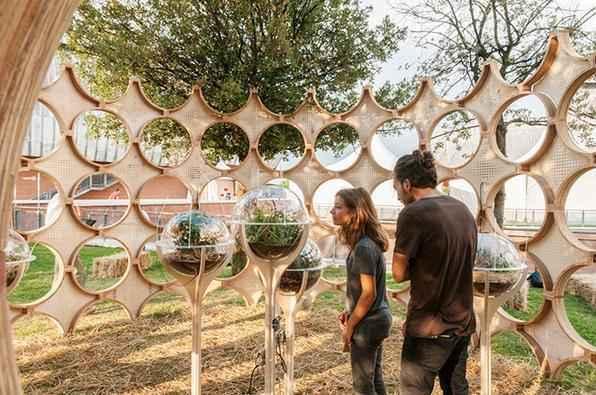 Monumento cria trilha sonora a partir da interação entre humanos e insetos