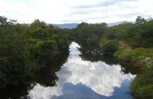 Vista do Rio das Velhas no município de Monjolos, em Minas
