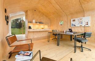 Casa sustentável feita com papelão fica pronta em apenas um dia