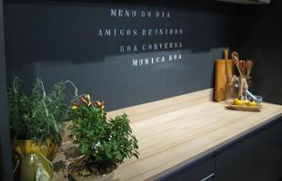 Cozinha, de Alex Meneses e Élian Pérsia