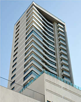 A parte externa do prédio é fundamental para a valorização do imóvel (Eduardo Almeida/RA Studio)