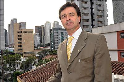 Luiz Antônio Rodrigues, da Lar Imóveis, aconselha buscar corretor credenciado para assessorar no processo de compra (Eduardo Almeida/RA Studio)