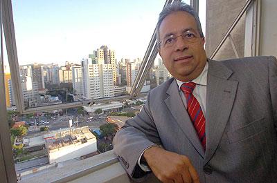 Carlos Eduardo Alves de Queiroz, presidente do Sindicato dos Condomínios Comerciais, Residenciais e Mistos de Belo Horizonte, não gostou da decisão e diz que, por ser parcial, ela ainda precisa ser revista (Jair Amaral/EM/D.A Press)