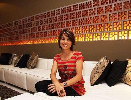 A designer de interiores Sheila Mundim lembra que os tijolinhos vazados inicialmente eram feitos em cimento, mas, com o tempo, passaram a ser produzidos com outros materiais - Gladyston Rodrigues/EM/D.A Press