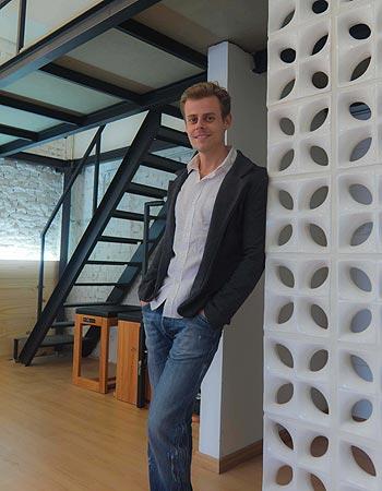 O arquiteto Tiago Curioni destaca que as peças ficam interessantes quando são visualizadas em conjunto e em ambiente ventilado - Tiago Curioni/Divulgação