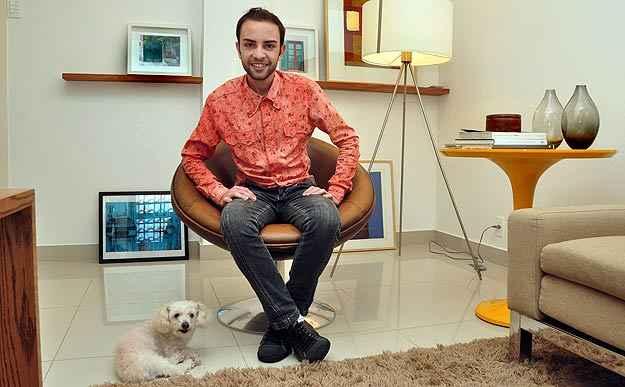 O designer de interiores da Líder Rafael Cândido diz que  assimetria  é uma tendência, mas tudo depende do gosto pessoal - Eduardo de Almeida/RA studio