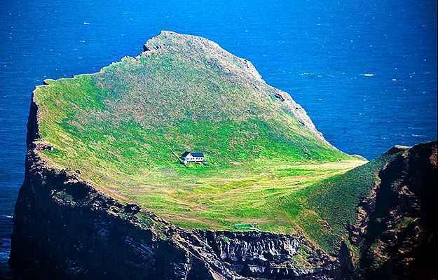 Casa na isl ndia considerada a mais isolada do planeta conhe a lugar certo - Casas en islandia ...