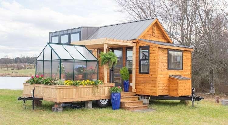 Habitação móvel reúne estufa e varanda em pequeno, mas bem aproveitado espaço