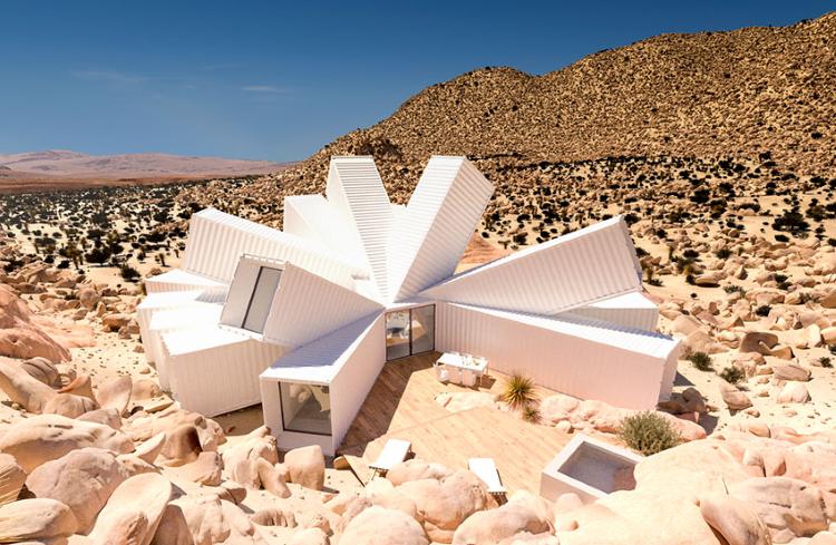Casa contêiner em forma inusitada é protagonista em deserto nos EUA
