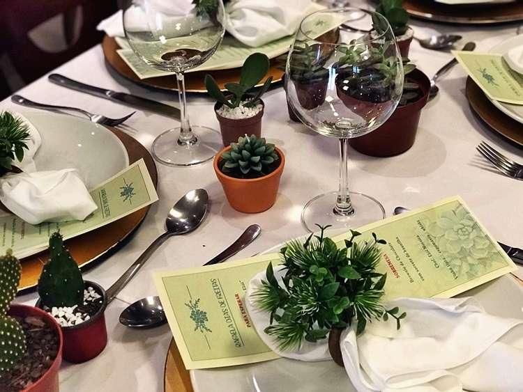 Quer aprender a montar uma linda mesa no almoço do Dias das Mães? Veja o passo a passo