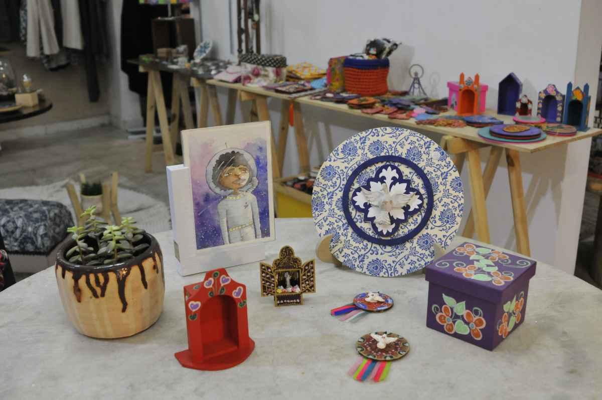 Feira de arte e artesanato une história e criatividade entre o mais belo do feito à mão