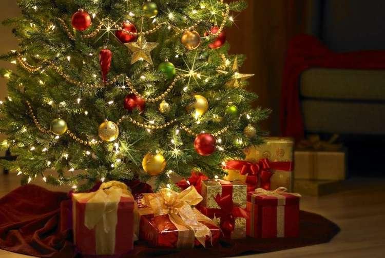 Decorar a casa com luzes e pisca-piscas é comum antes do Natal, mas é preciso cuidado