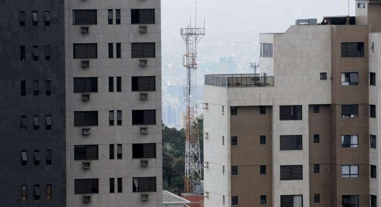 Proximidade com antenas de telefonia causa problemas de saúde e impacta diretamente no valor dos aluguéis