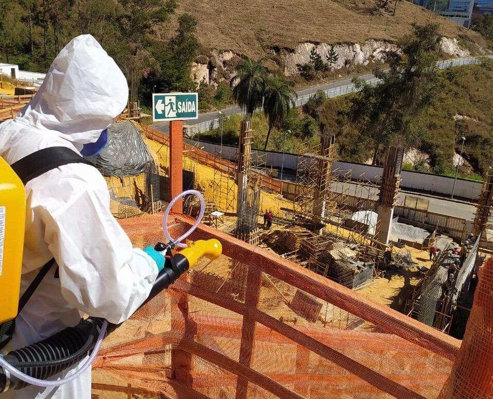 Métodos de desinfecção são adotados em obras e imóveis